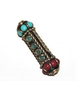 Cuenta  Tibetana bronce, turquesa  y coral  41x10x8mm paso 1,5mm.