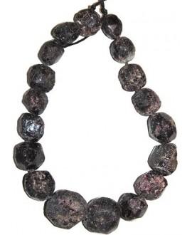 Granate cuenta piedra natural sin pulir 20/25x5/20mm paso 1mm, precio por ristra