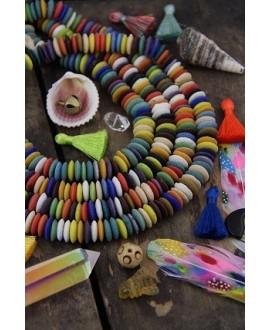 Cuentas de vidrio reciclado Ashanti color arco iris Ghana, precio por ristra, 5x14mm paso 2mm