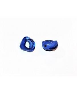 Cuenta resina irregular efecto aguas blancas, 12x8mm paso 5mm, cobalto