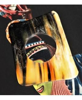 Colgante cuerno 6,8x5cm paso 1mm, traídos de África