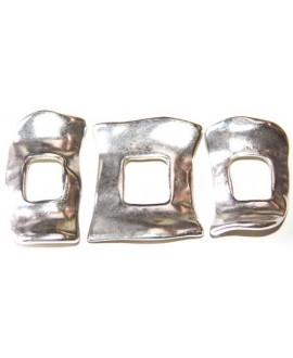 Pulsera tres piezas desigual, largo total 15cm x 5cm ancho, zamak baño de plata