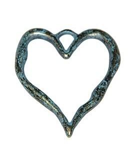 Colgante corazón patinado 80x68mm, precio por 3 unidades