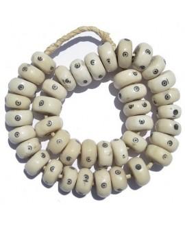 blancas con punto 22 a 25mm de diámetro, venta por unidad