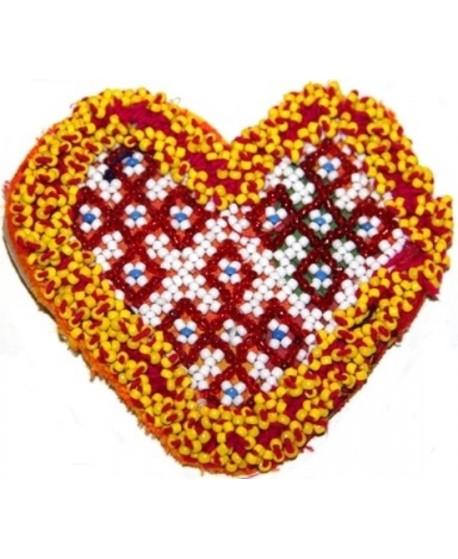 Medallón kuchi de cuentas corazón, 11x12cm