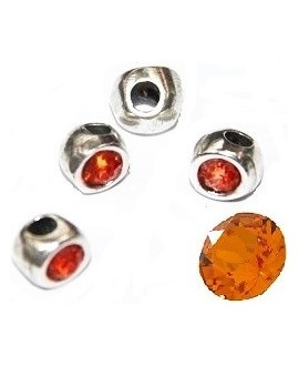 Cuenta irregular 7x7x6mm paso 2mm de zamak baño de plata y SWAROVSKI, color orange
