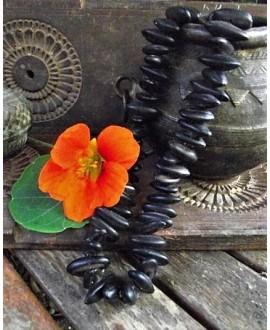 Cuenta de Semillas de guamá negra peruana 10mm, precio por 50 unidades