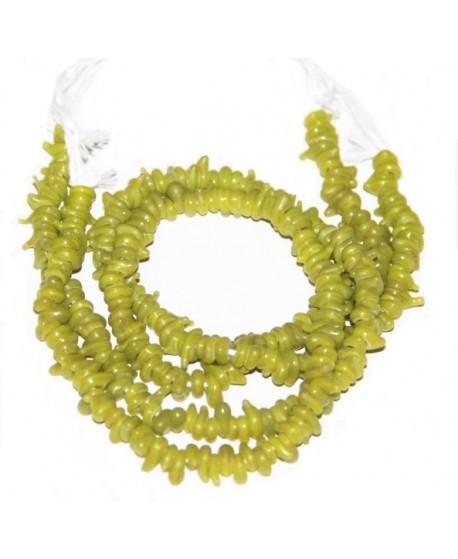 Vidrio reciclado irregular pistacho de Etiopía, 4x8mm paso 2mm, precio por ristra