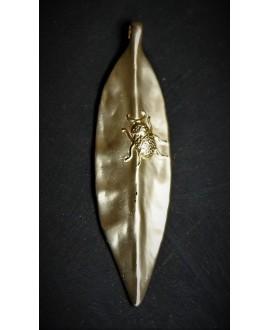 Colgante hoja 80x20mm paso 3mm, metal oro mate