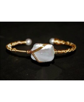 Pulsera cobre baño de oro con perlas de biwa, ajustable