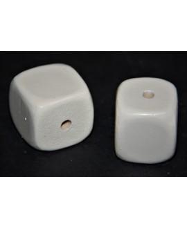 Cuentas de madera lacada en crema 25mm, paso 3mm