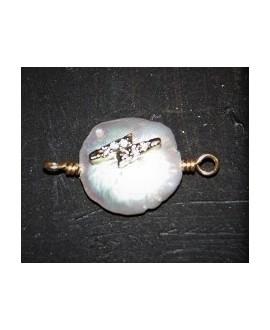Entre-pieza Perlas de Biwa  adornada 13mm paso 2mm