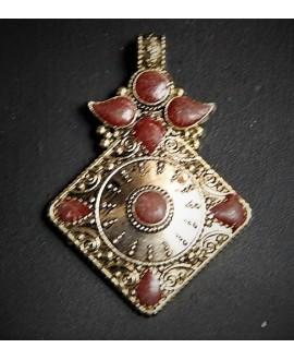 Colgante tibetano 70x50mm, con incrustaciones de piedras semi-preciosas y esmalte , tono oxidado, plata alemana