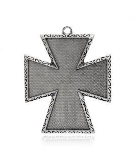 Colgante cruz plateada 81,5x66x3mm, bandeja 68,5x59mm, paso 5mm