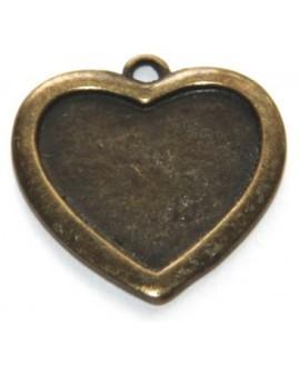 base corazón, latón envejecido, 23x22x2mm, agujero de 2mm