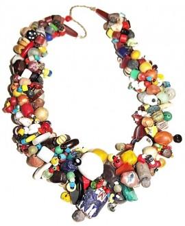 Collar de extraordinaria artesanía africana