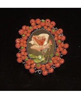 Medalla bordada a mano, rosas 65x58mm