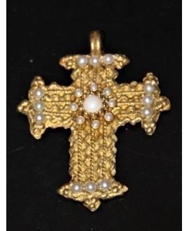 Colgante cruz de bronce adornada 75x65mm, paso 3mm