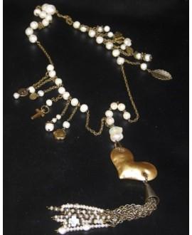 Collar perlas y corazón