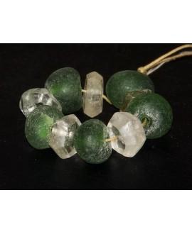 Vidrio reciclado oliva/ azul transparente, precio por 10 cuentas 20mm aprox, paso 3mm.
