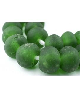 Vidrio reciclado verde, precio por 10 cuentas 20mm aprox, paso 3mm.