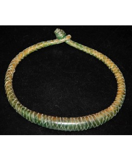 Collar cuero verde, largo 50cm