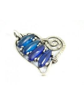 Colgante corazón 60x65mm resina color azul oscuro y zamak baño de plata
