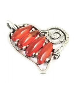 Colgante corazón 60x65mm resina color rojo y zamak baño de plata