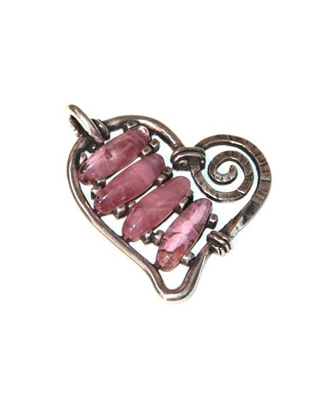 Colgante corazón 60x65mm resina color rosa y zamak baño de plata