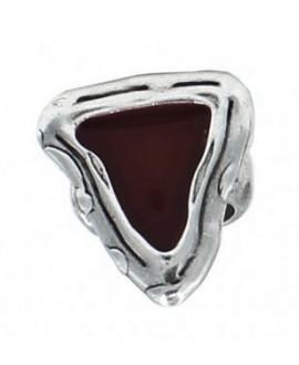 Anillo ajustable triángulo con esmalte rojo vino, 31mm de largo x 27mm de ancho
